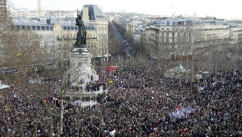 parismarch_crop1420989945046.jpg_1718483346