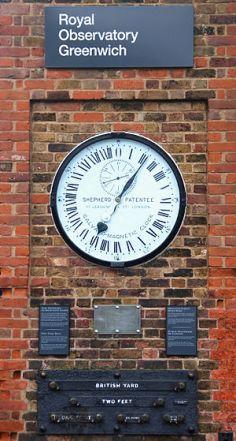300px-Greenwich_clock